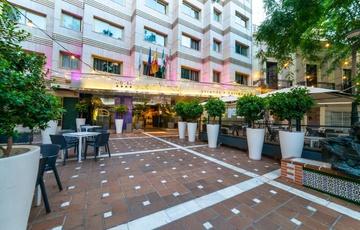 Entrée Hotel Nuevo Torreluz