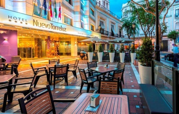 Terrasse Tavern Hotel Nuevo Torreluz